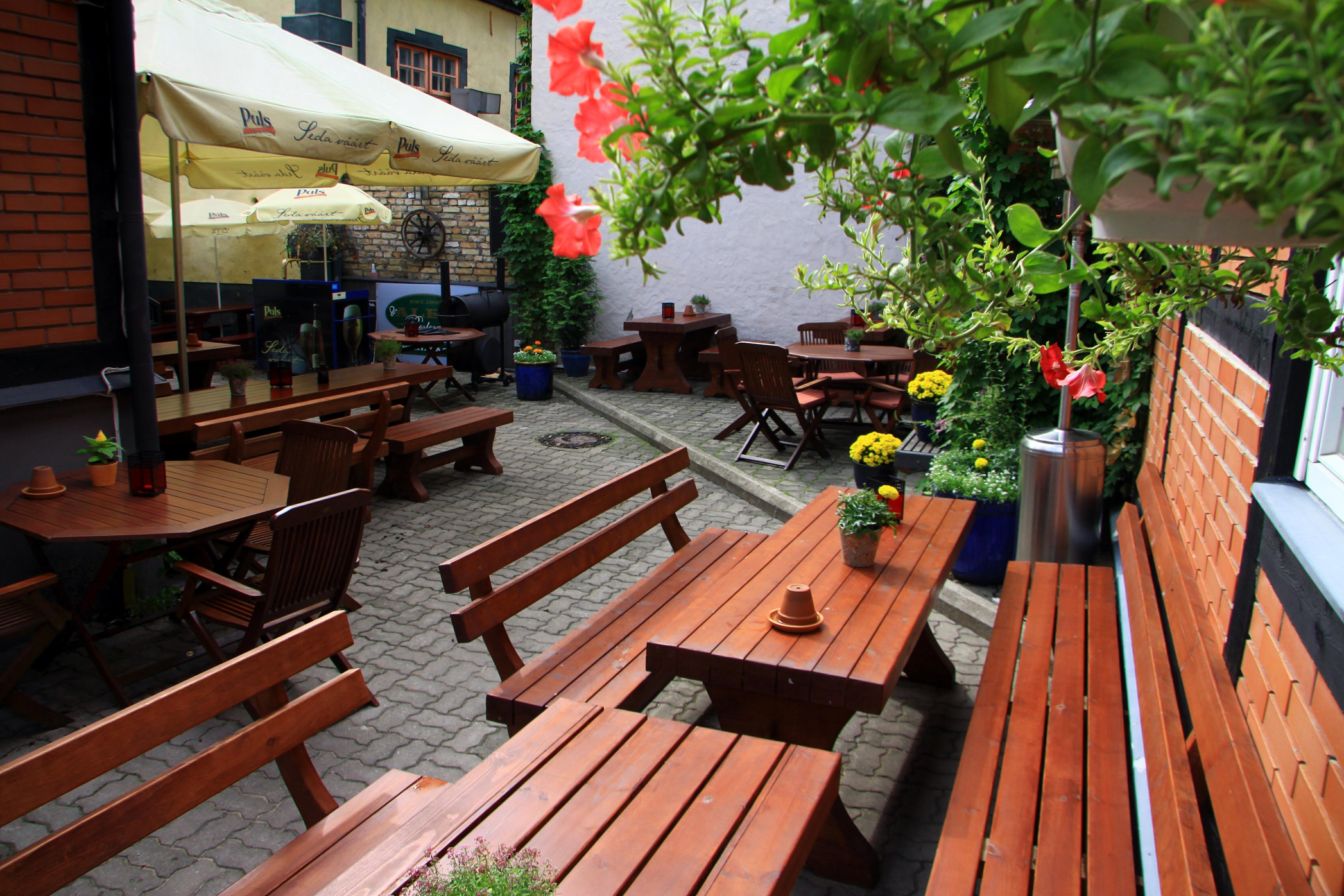 cafe8142a7a Karaoke bar, Karaoke, Hotel Alexmaja
